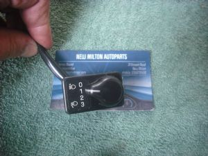 A GENUINE SUBARU FORESTER HEADLIGHT HEADLAMP ADJUSTMENT LEVELING SWITCH
